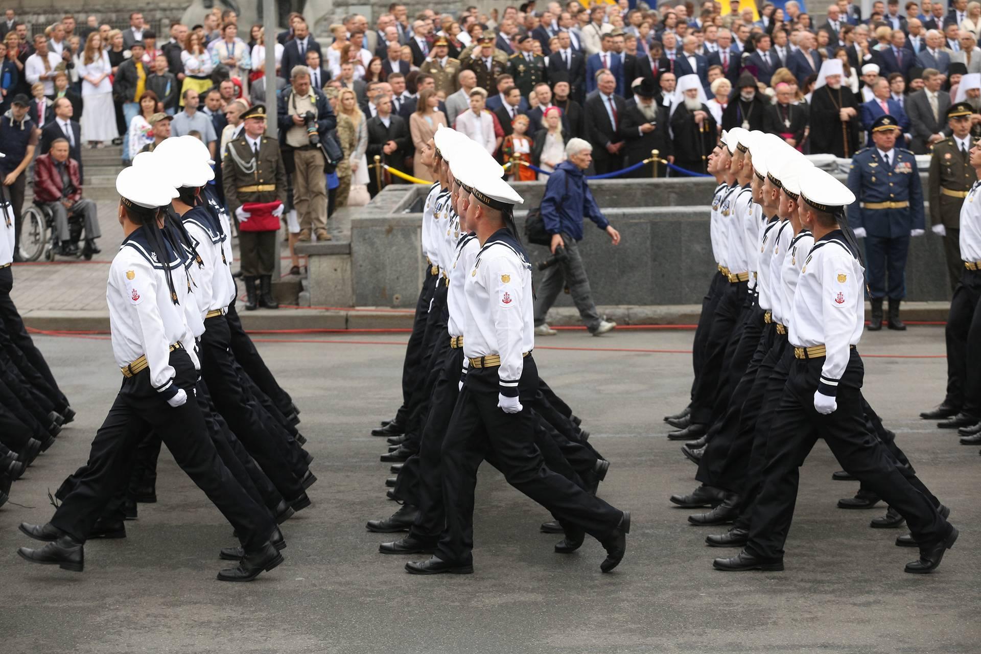 парад марш 4