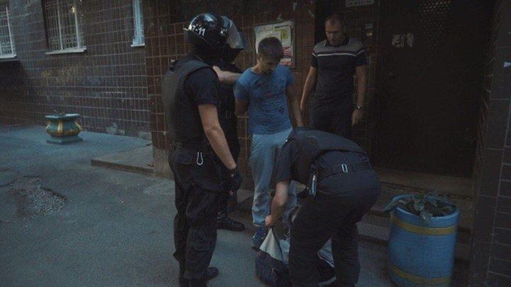 Сучасний Беркут побил активистов Азову та ОУН під Киевгорбудом