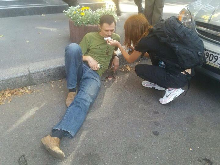 Беркут розігнав протестуючих. Є травмовані, серед яких боєць батальйону ОУН Сергій Миронюк.