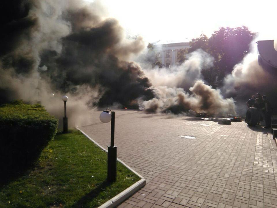 Шини палали під Київміськбудом