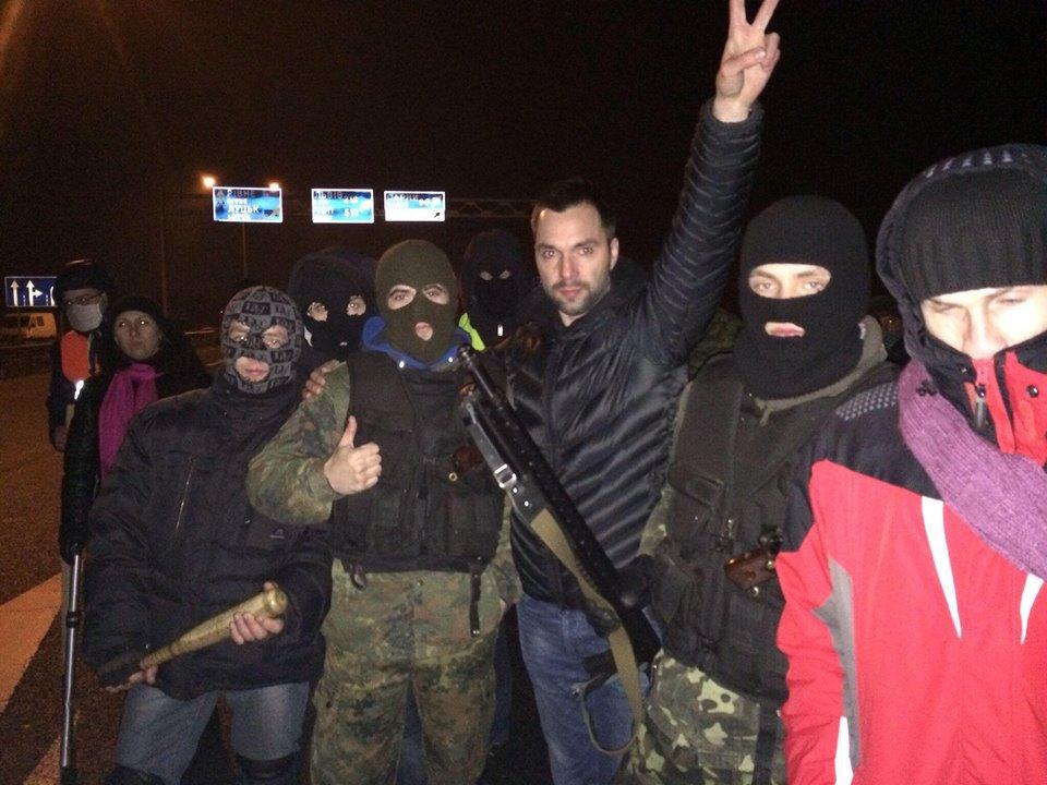 Майданівці билися за ідею, і, коли, нарешті, підпалили автобуси на Грушевського, стало зрозуміло, що ідеї перемагають.