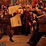 """Сашко Кравчук на фото з палкою під час акції """"Україна без Кучми"""""""