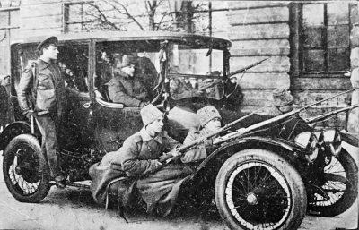 Revolyutsiya-1917-v-Rossii-768x494