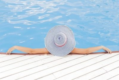 pool-690034__340__600