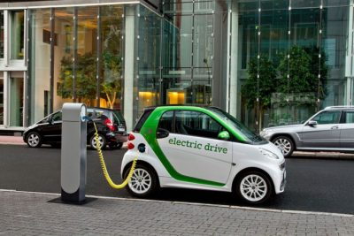 9557624-electric-cars
